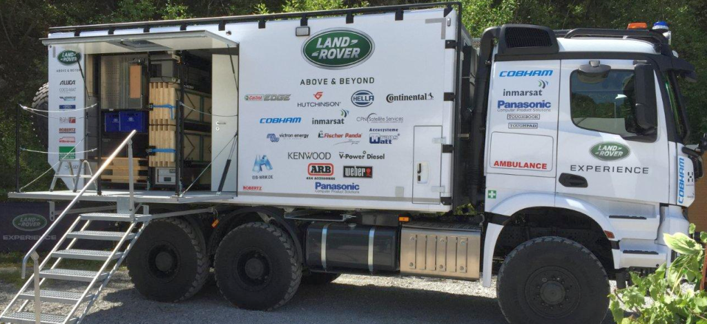 Land Rover Backup Truck