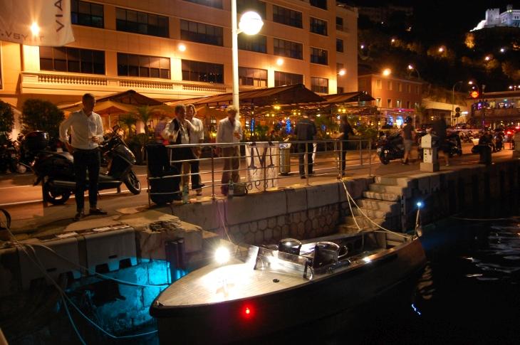 Bolt_18_Electric_Boat