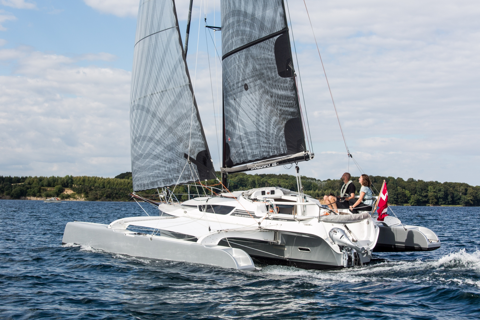Dragonfly trimarans: Victron equipped by Coromatic A/S