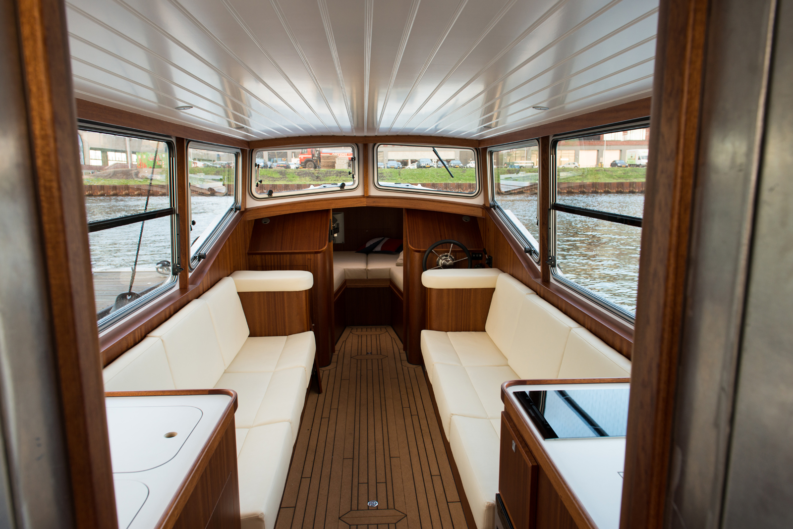 Electric Boat Arviro 10 Victron Energy